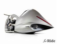アクラポヴィッチの製作したバイク「FULL MOON」がスペイシーすぎる!
