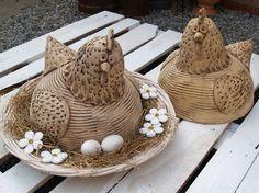 maxi slépky Pottery Animals, Ceramic Animals, Ceramic Birds, Clay Animals, Ceramic Plates, Ceramic Pottery, Ceramic Art, Sculpture Projects, Clay Projects