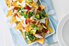 Chicken 'nachos' salad Whip this salad up in a flash when you have friends or family over; its the perfect dish to share over a chat! Salads Up, Easy Salads, Summer Salads, Healthy Salads, Chicken Nachos, Bbq Chicken, How To Cook Chicken, Chicken Salad, Nacho Salad