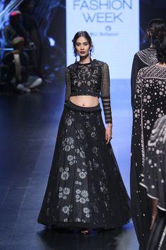 Tarun Tahiliani | Lakme Fashion Week Winter Festive 2016 #LFWWF2016 #PM #taruntahiliani