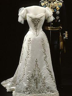 1906 Gown worn by Sweden's Queen Victoria