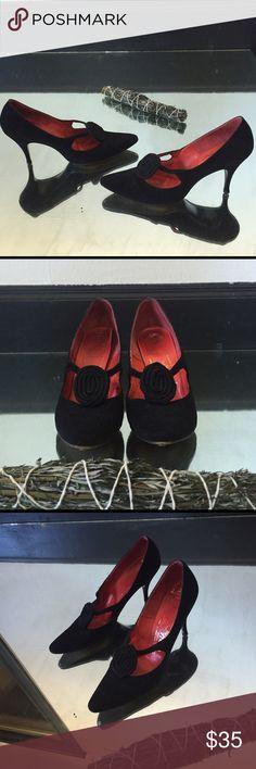 a061fa94d Vintage Black Velvet Pumps Vintage ✨ Handmade ✨ Witchy ✨ Black Velvet Pumps  ✨ size 7.5