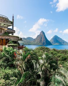 Magical views at Jade Mountain, Saint Lucia via IG Santa Lucia, St Lucia Island, Places To Travel, Places To See, St Lucia Hotels, St Lucia Caribbean, Tourism Website, Arizona Usa, Island Beach
