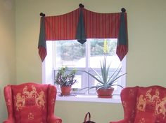 fun valance, on the more contemporary side. Easy to make, a bear to hang!