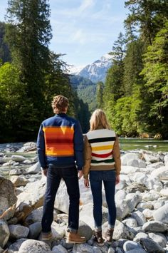 The Eddie Bauer X Pendleton 1936 Skyliner Model Jacket reverses from the signature Eddie Bauer diamond quilting to one of eight traditional Pendleton National Park stripes: Yosemite, Mt. Rainier, Glacier, Yellowstone, Rocky Mountain, Grand Canyon, Badlands, or Great Smoky Mountains.