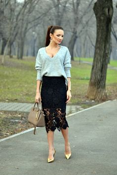0fdf99090e9 20 Ways to Pull Off a Lace Skirt During the Day