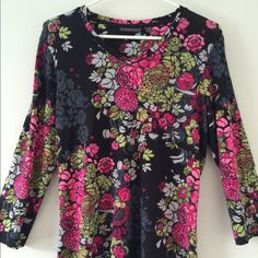 Amber Sun Floral Print Top Very pretty Amber Sun floral print top from Nordstrom. Beautiful blend of colors... black, raspberry pink, green and light gray. Super comfy with three-quarter sleeves. 94% rayon, 6% spandex. Size medium. Approximately 24 inches from shoulder to hem. Excellent used condition! Beautiful addition to any wardrobe! ❌No Trades ❌ No PayPal  Bundle and save on shipping!! Amber Sun Tops