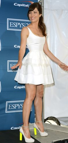 How gorgeous does Jessica Biel look in a white Dior dress and neon Nicholas Kirkwood heels?!