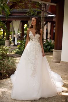Best Couture Wedding Dresses and Bridal Boutique Shops in Chicago, Los Angeles, Las Vegas and New York Perfect Wedding Dress, White Wedding Dresses, Bridal Dresses, Bridal Boutique, A Boutique, Bridal Collection, Dress Collection, Color Ivory, Couture Wedding Gowns
