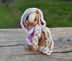 Genuine and original polymer clay sculpture designed and handmade with love by Elisabete Santos Polymer Clay Figures, Polymer Clay Sculptures, Polymer Clay Animals, Polymer Clay Creations, Sculpture Clay, Horse Sculpture, Polymer Clay Kawaii, Polymer Clay Charms, Polymer Clay Art