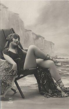 maudelynn:    1920s bathing beauty postcard
