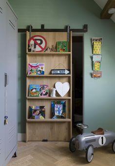 barn door with bookshelf Bookshelf Door, Bookshelves, Laundry Room Doors, Retro Home Decor, Baby Boy Rooms, Interior Barn Doors, Furniture Styles, Wooden Doors, Storage Spaces