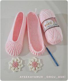 Image Article – Page 615937686519151366 Diy Crochet Flowers, Crochet Crafts, Knit Crochet, Crochet Shawl, Crochet Baby, Knitting Socks, Hand Knitting, Knitting Patterns, Crochet Patterns