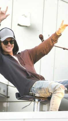 He looks so good when he smiles..keep smiling justin..