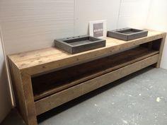 Badkamermeubel van steigerhout en beton