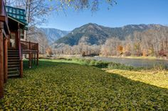 Edgewater Lodge provides fantastic, secluded river access only a mile from downtown Leavenworth.