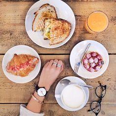 """Lucia on Instagram: """"La colazione preferita con la persona preferita. Così si riassume il sabato mattina ideale ☕️ watch @klasse14e"""""""