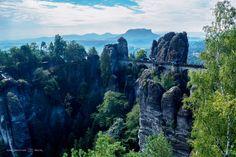 Bastei Rotsformatie in de vroege ochtend (Saksisch Zwitserland, Duitsland) by…