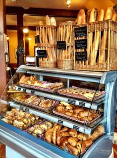 Diy bakery display case diy display cases inspiration for your space bakery shop design bread shop . Diy Bakery Display, Bread Display, Pastry Display, Display Cases, Cafe Display, Display Ideas, Bakery Shop Design, Coffee Shop Design, Cafe Design