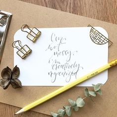 ✏ @stefanie.teubner hat ihre neuen Bleistifte gleich ausprobiert und ein wundervolles Bleistift-Lettering gezaubert. Das Video dazu gibt es direkt in ihrem Feed zu bestaunen. ・・・ PR-Sample/Werbung -> freiwillig . Wer von euch hat schon mal mit einem Bleistift gelettert? Ich schreibe ja unheimlich gerne mit Bleistift und habe auch in der Vergangenheit gerne mal mit Bleistift gelettert, leider ist das etwas eingeschlafen. 🙈 aber nachdem gestern diese coolen Bleistifte von @klun Paper Goods, Lettering, Instagram, Videos, Pictures, Pencil Grades, Scary, Past, Advertising