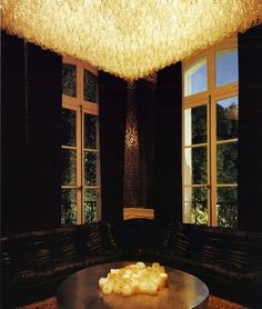 Lenny Kravitz's Real Estate Article. This chandelier is incredible, what an ambience!