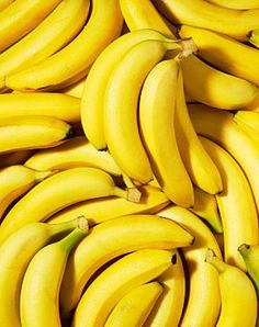 Banana is yellow and we all love bananas! Banana's colour is yellow and yellow is good colour! No Sodium Foods, Low Sodium Recipes, Low Sodium Diet, Photo Fruit, In Natura, Bananas, Yellow Submarine, Lower Blood Pressure, Mellow Yellow