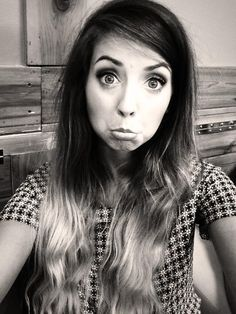 Zoella, she still looks absolutely gorgeous even when she pulls a face haha ♡♡♡ Zoella Beauty, Hair Beauty, Absolutely Gorgeous, Most Beautiful, Perfect People, Amazing People, Tanya Burr, Zoe Sugg, Shaytards