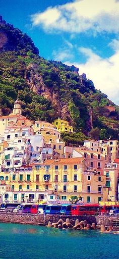 #Amalfi_Coast #Italy http://en.directrooms.com/hotels/country/2-31/