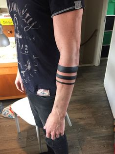 Bras Tatouage Noir Bracelett Tatouage is part of Tattoos - Bras Tatouage Noir Bracelett Arm Tattoos Black, Black Band Tattoo, Band Tattoos For Men, Wrist Band Tattoo, Forearm Band Tattoos, Tribal Arm Tattoos, Arm Tattoos For Guys, Armband Tattoo Mann, Tattoos Arm Mann