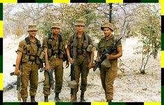 Border LMG team Military Love, Army Love, Military Gear, Military Uniforms, Once Were Warriors, Army Day, Vietnam War Photos, Military Training, Military History