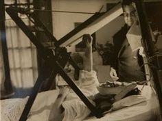 Así pintaba Frida en su cama...
