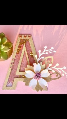 Letter Cake Toppers, Flower Cake Toppers, Diy Cake Topper, Cake Topper Tutorial, Decoraciones Eid, Cricut Cake, Diy And Crafts, Paper Crafts, Acrylic Wedding Invitations