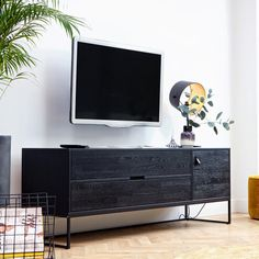 Silas Oak TV Unit in Black Night by Woood unit Dimensions Silas Oak TV Unit in Black Night by Woood Kids Living Rooms, Living Room Tv, Home And Living, Dining Room, Black Tv Unit, Black Tv Cabinet, Armoire Tv, Tv Unit Decor, Tv Decor
