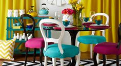 I love this Sassy-inspired room! Take the quick HomeGoods Stylescope quiz to find out your home design personality. #HGStylescope