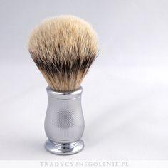 Najwyższej klasy angielski pędzel do golenia EDWIN JAGGER z najwyższej jakości ręcznie selekcjonowanego włosia borsuka klasy super badger.Rączka mosiężna, niklowana i chromowana, pięknie żłobiona.