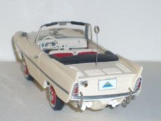 It is possibly one of the most unique vehicles that were manufactured and have made it to the series. This hybrid cabriolet and small recreational boat was the work of Hans Trippel German engineer, responsible for the amphibious vehicles of the German Army in World War II. The engine of the Amphicar was the same as the Triumph Herald and its gearbox was a four-speed Volkswagen.
