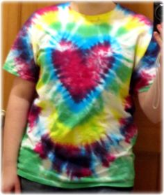 how to make a Heart Tie-Dye Shirt - LOVE this heart technique - seems easier that the others maybe