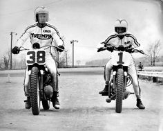 Gary Nixon, on the Factory Triumph in the says Robert Thomas, how about 38 Chuck Palmgren his team mate? Flat Track Motorcycle, Flat Track Racing, Road Racing, Racing Motorcycles, Triumph Motorcycles, Best Motorbike, T Race, Flat Tracker, Dirt Track
