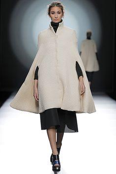 Amaya Arzuaga - Madrid Fashion Week O/I 2015-2016