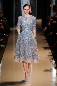 inspiration : elie saab spring 2013 couture} Love this blue. elie saab 2013 spring coutureLove this blue. Style Haute Couture, Couture Fashion, Runway Fashion, High Fashion, Spring Couture, Fashion Spring, Elie Saab Couture, Beautiful Gowns, Beautiful Outfits