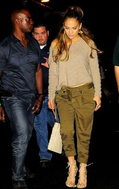Jennifer Lopez Is Setting Up A Luxe T-Shirt Website - What Can We Expect?