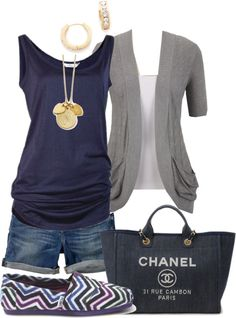 -Blue & Gray-you can do this too - navy drape tee, t- shirt topper & Lou Lou shorts! A lil summer outfit Style Work, Mode Style, Style Me, Shoes Style, Look Fashion, Fashion Outfits, Womens Fashion, Fashion Trends, Fashion Tips
