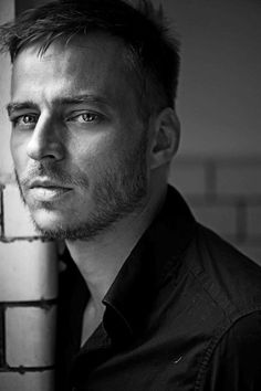 Tom Wlaschiha - game of thrones - the man looks in the mirror. The man likes what he sees. Lovely Eyes, Beautiful Men, Tv Actors, Actors & Actresses, Youtubers, Jaqen H Ghar, Tom Wlaschiha, Toms, Hottest Male Celebrities