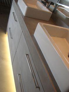 Sur mesure meuble de salle de bain béton ciré