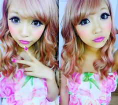 "Gyaru makeup is all about the eyes and typically features winged eyeliner, dramatic false eyelashes and cosmetic colored circle contacts to enhance the size of the iris and give a ""puppy-eyed"" look.  http://www.eyecandys.com/gyaru-style/"