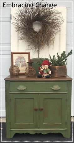 Sweet Little Boxwood Washstand – Embracing Change – MMS Milk Paint in Boxwood wi… Sweet Little Boxwood Washstand – Embracing Change – MMS Milk Paint in Boxwood with a Hemp Oil finish Dark Oak Furniture, Milk Paint Furniture, Green Painted Furniture, Recycled Furniture, Refurbished Furniture, Furniture Projects, Furniture Makeover, Green Distressed Furniture, Colorful Furniture