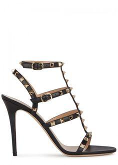 VALENTINO ROCKSTUD BLACK LEATHER SANDALS. #valentino #shoes #