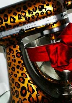 OMG! I need this, leopard print Kitchen aid mixer!