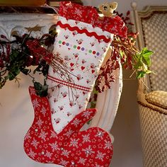 M7523 Christmas Stocking by Debbie Shore | Create and Craft