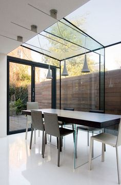 Modern dining in a contemporary glass extension Interior Architecture, Interior And Exterior, Interior Design, Room Interior, Interior Decorating, Decorating Ideas, Architects London, Glass Extension, Side Extension